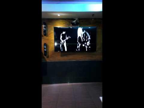 True hostel jomtien party karaoke