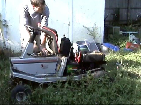 Starting up a 1985 Craftsman 11hp rear engine riding mower after 3 years
