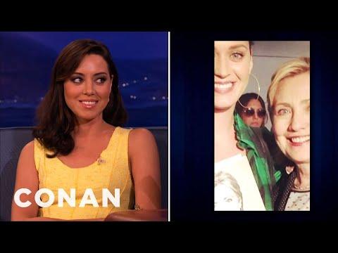 Aubrey Plaza Photobombed Katy Perry & Hillary Clinton