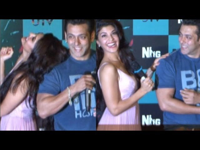Jacqueline Fernandez & Salman Khan Flirt On Stage | Jumme Ki Raat Video Song Launch