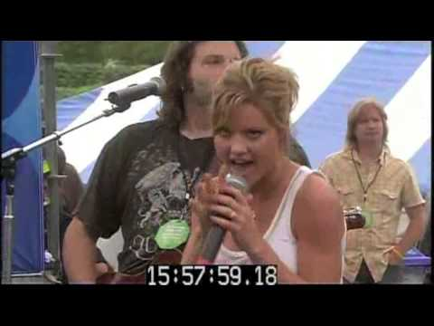 Flat On The Floor (Live) - Katrina Elam (CMA Music Fest)