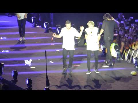 21. One Direction - A Little Beatboxing And Story Of My Life-otra Singapore video