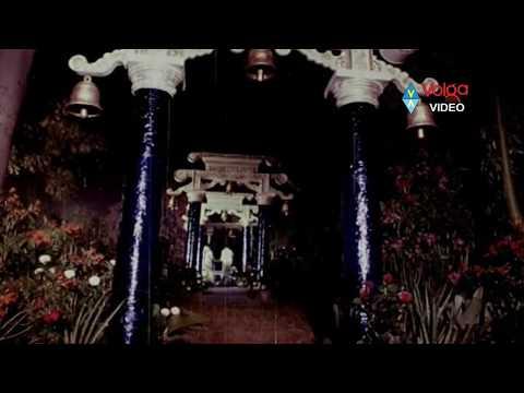 Premabhishekam  Songs - Oka Devuni Gudilo - Anr Sridevi Jayasudha video