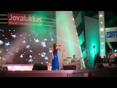 Shreya Ghoshal Performing Agar Tum Mil Jao at Joy Alukkas Expressions...