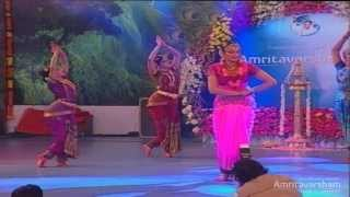 Film actress/ dancer Shobana perform dance to the tune of Ayigiri Nandini at the 60th birthday celebrations of Amma, @ Amritavarsham60.
