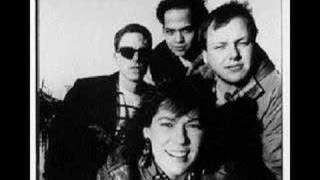 Watch Pixies Motorway To Roswell video