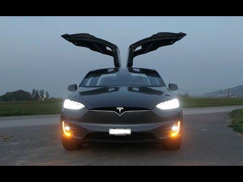 Tesla Model X - CRAZY LIGHTSHOW !!! Must see! Full HD
