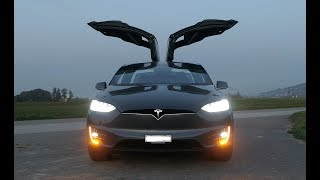 Tesla Model X - CRAZY LIGHTSHOW !!! Must see! Full HD