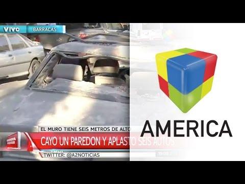 Seis autos aplastados tras el derrumbe de un paredón en Barracas