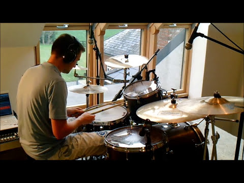 Queens Of the Stone Age - I Appear Missing ( Drum Cover )