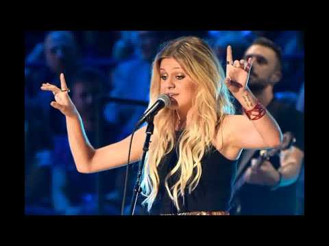Kelsea Ballerini's 'Love' a Game Changer for Women at Country Radio