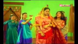 janiva roy playback singer to this bengali film and she is heroin of this film MALABADAL