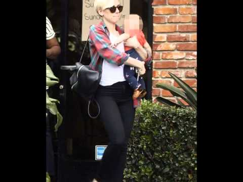 Scarlett Johansson Outing with her daughter Rose!