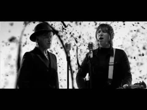 The Moons feat. Paul Weller -  Something Soon HD