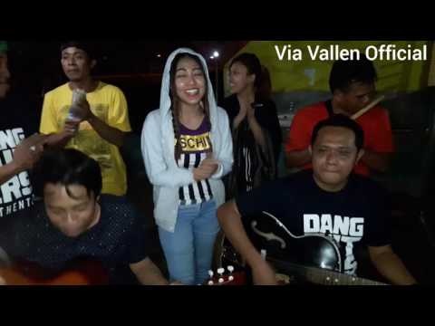 download lagu Via Vallen Bikin Heboh Jadi Pengamen Di gratis