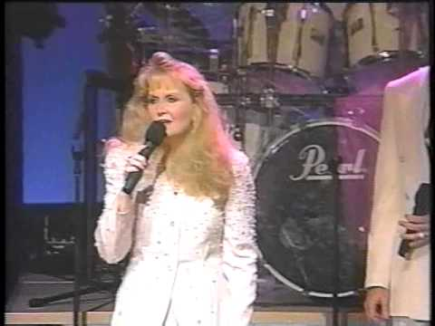 Daddy's Home.  Karen Peck And New River.  1994(live From The Alabama Theatre) video