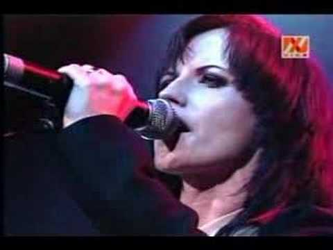 Dolores O'Riordan - Zombie (Live in Chile)
