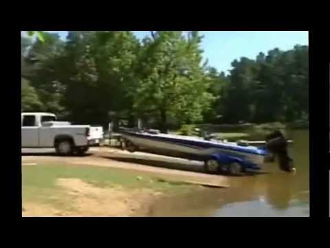 Collection Of Funny Boat Crashes And Boat Fails