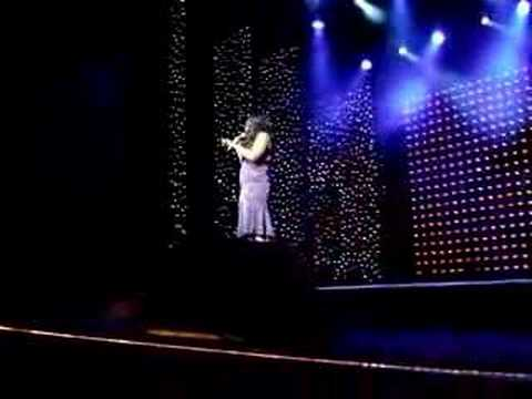 Jennifer Hudson sings Dreamgirls aboard a cruise ship