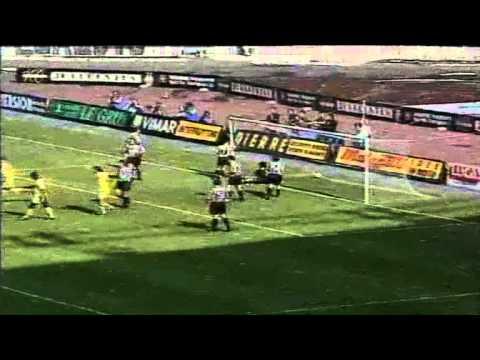 Serie A 1996-1997, day 32 Juventus - Parma 1-1 (Zidane o.g., N.Amoruso)