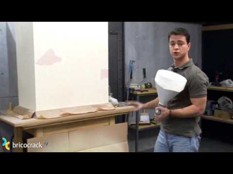 Aprovechar el compresor 2 pintura bricocracktv youtube for Barnizado de muebles a pistola