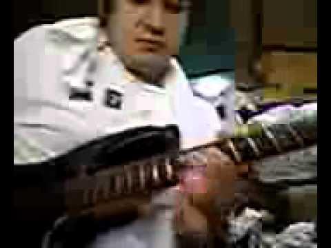 Guitar  PLAY  ギター弾きます た。