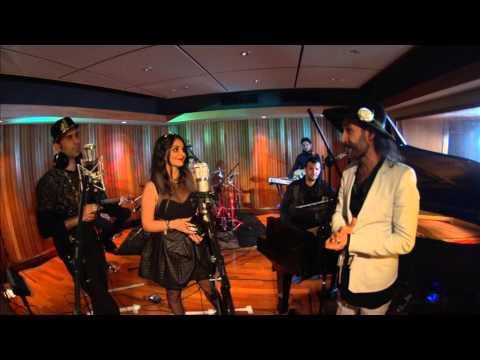 کنسرت گروه 25band با گروه موسیقی سازهای اکوستیک در بی بی سی فارسی video