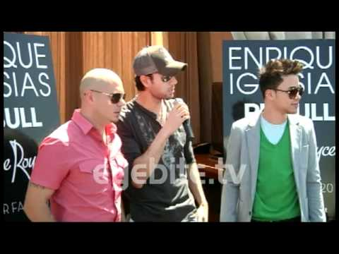 Pit Bull makes fun of Enrique Iglesias