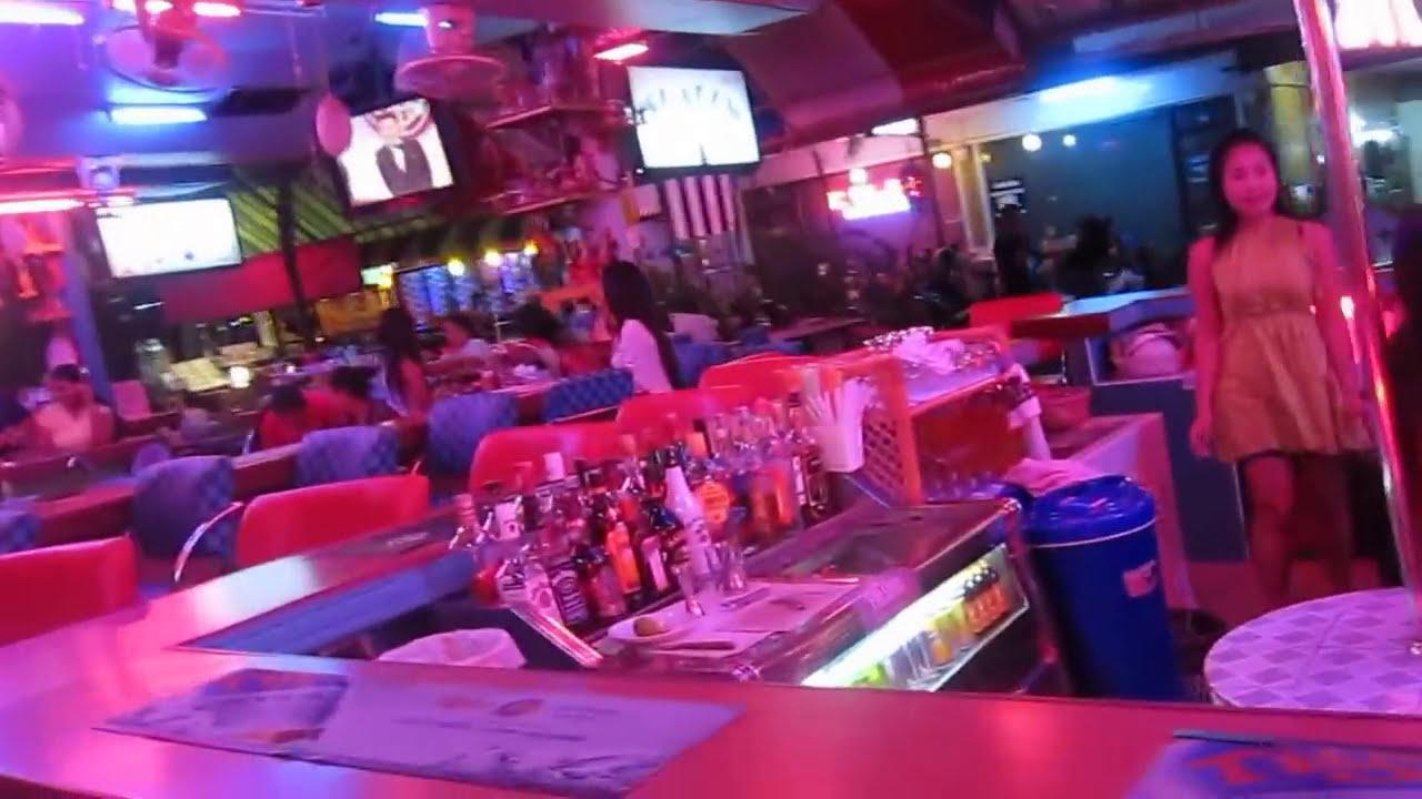 """パタヤの楽しいバービア街】 Pattaya """"Drinking Street ..."""