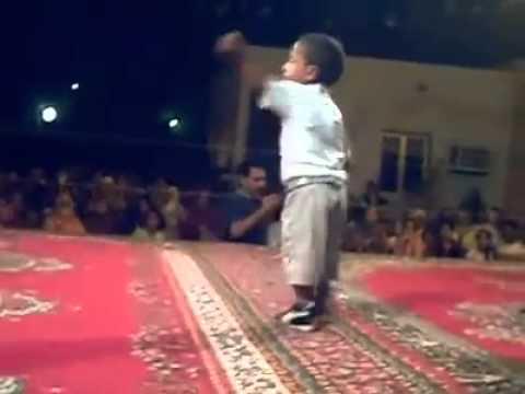 طفل جزائري موهوب في الرقص thumbnail