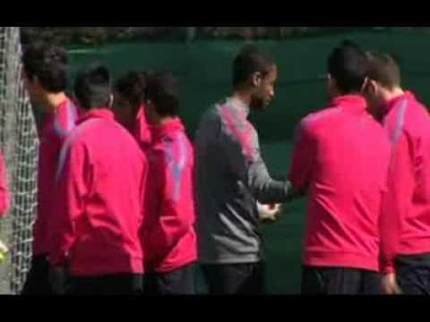 Fc Barcelona - El Barça se entrena sin sus internacionales