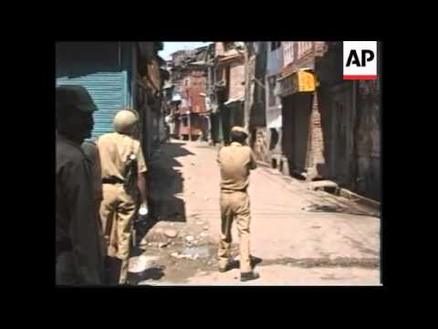 India - Youths Clash With Security Forces