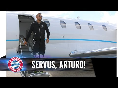 Arturo Vidal arrives at FC Bayern Munich