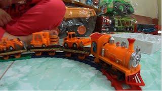 Super train toy transportation Tầu hỏa chở xe nâng máy xúc máy ủi đồ chơi trẻ em Giải trí cho bé yêu