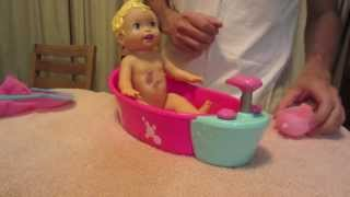 Little Mommy Bubbly Bathtime from Mattel