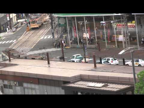 広島駅ビルより路面電車を見る