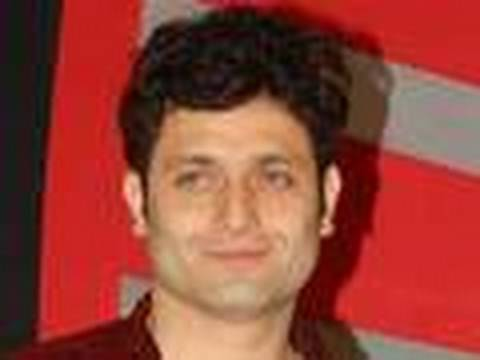 Shiney Ahuja Kicked Out Of Mumbai Video