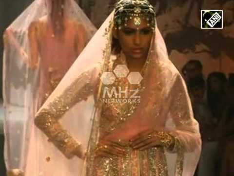 Exquisite wears give end to India Bridal Fashion Week (Aug 14, 2015)