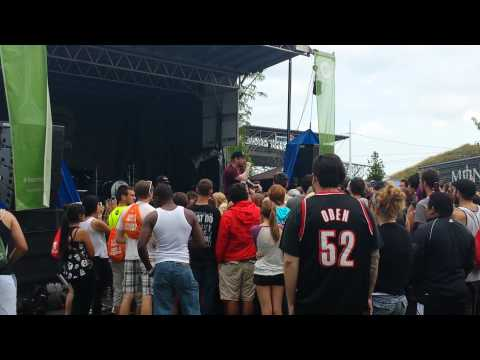 look At Me Now (cover) & Freestyling - Mac Lethal (live In Milwaukee warped Tour 2013) video