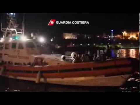 Italy Migrant Boat Sinks Killing Over 100
