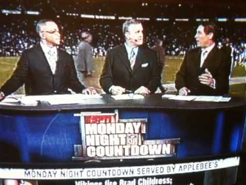 "HEATED ARGUMENT ABOUT VIKINGS FIRING CHILDRESS BEFORE MNF ON 11/22/10.. ""YOU HAVE NO IDEA WHAT GOES ON IN THAT FREAKIN LOCKER ROOM!! YOU JUST DONT!!"" HAHAHAH!!"