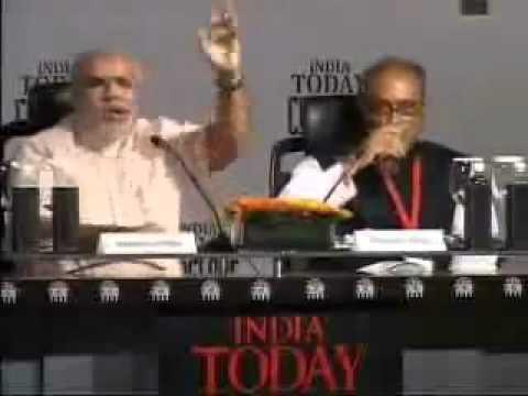 Angry Narendra Modi and Digvijay Singh fight-2011 (http://indiannpolitricks.blogspot.com/)