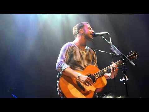 James Morrison - Broken Strings (acoustic) &#039;live&#039; in Singapore 2 Oct 2012
