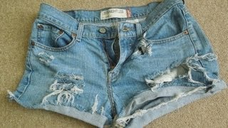 ♥ D.I.Y Distressed Jean Shorts | SUPER EASY |