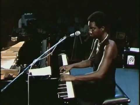 Nina Simone - I Wish I Knew How It Would Feel To Be Fr