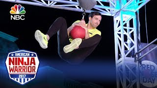 Jeff Dye's Run - Celebrity Ninja Warrior for Red Nose Day