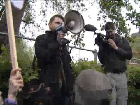 Jun 4, 2012 UK_British anti-monarchists protest against jubilee fanfare