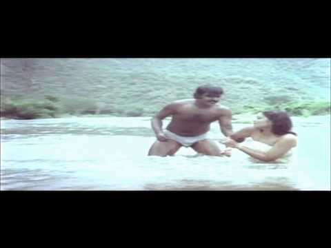 vijaykanth in underwear-plz anyone knows these scenes are from...