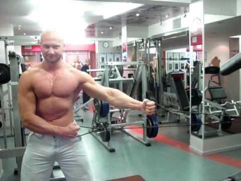 Проработка мышц груди с эспандером упражнения для груди с эспандером. Смот