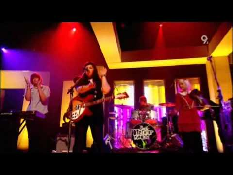 Operator Please  - Just A Song About Ping Pong (Live Jools Holland 2008)